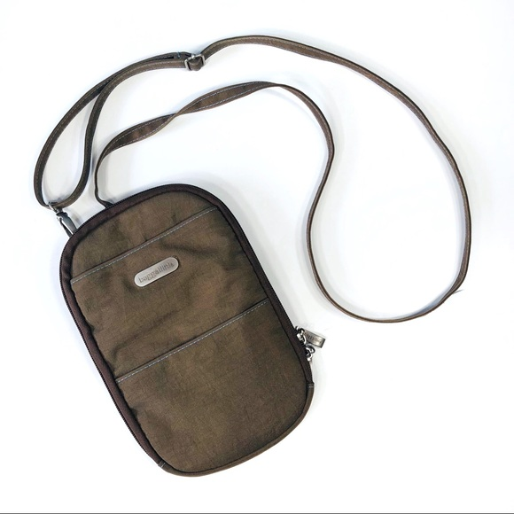 Baggallini Handbags - Baggallini Small Travel Organizer Crossbody Bag d184e8f8b36c1